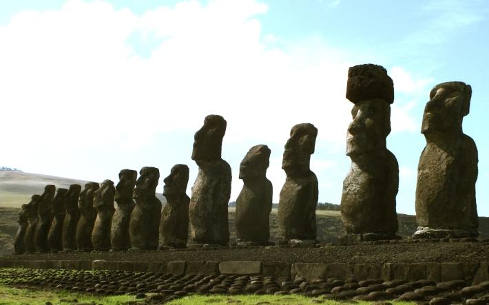 Ahu Akivi, Rapa Nui, July 2014 / @ Gaía Passarelli
